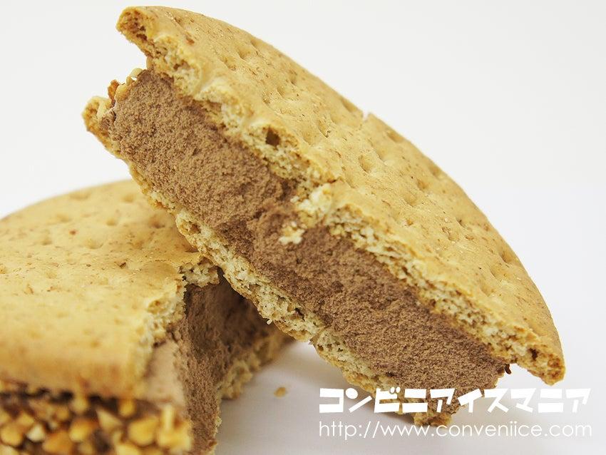 赤城乳業 ビスケットサンドアイス チョコレート&アーモンド