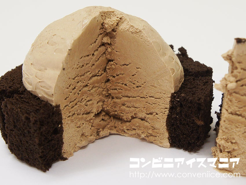 ウチカフェスイーツ プレミアムチョコロールケーキアイス