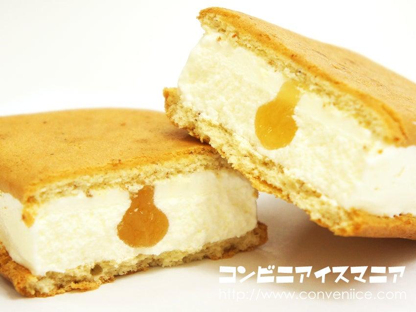 森永製菓 バナナブレッドサンドアイス