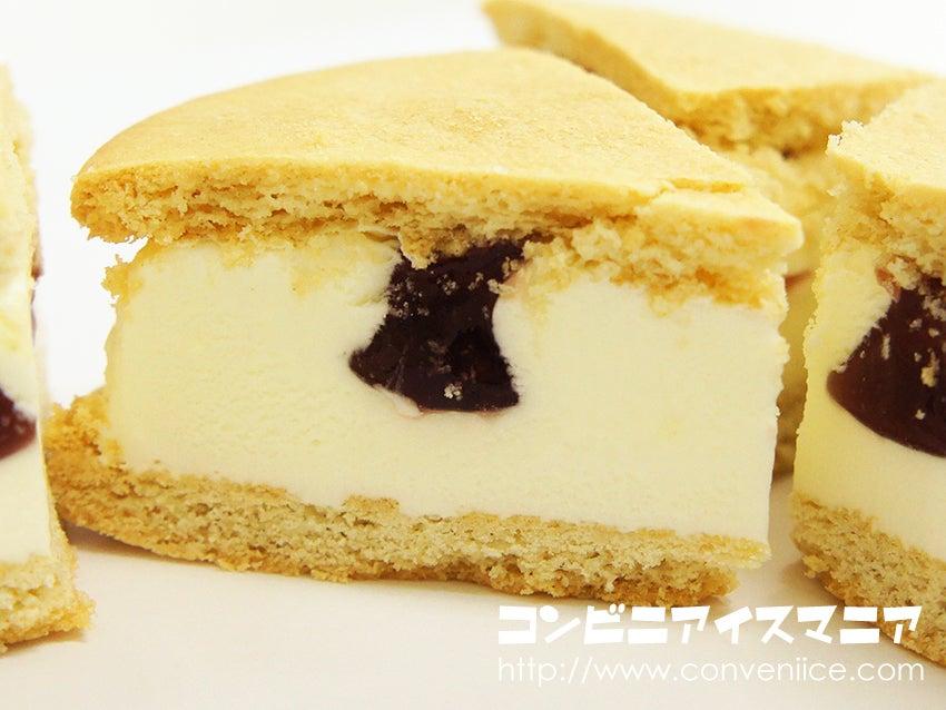 グリコ デザートスタイル 木苺のレアチーズケーキサンドアイス