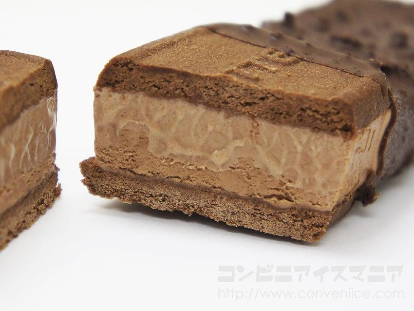 ロッテ ガーナ(Ghana)ブラックチョコ&クッキーサンド