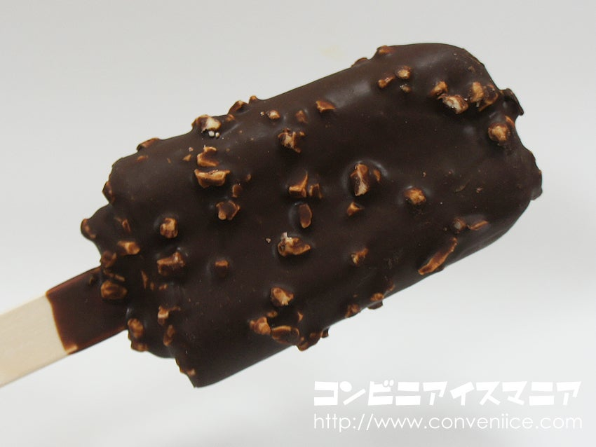明治マカダミアチョコレートアイスバー
