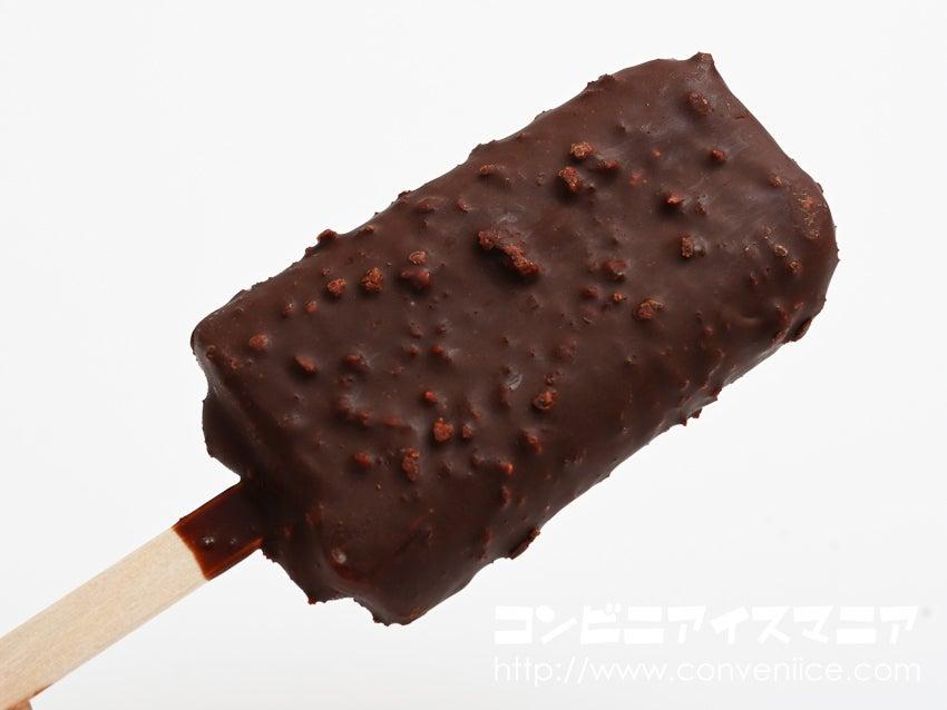 明治ストロベリーチョコレートアイスバー