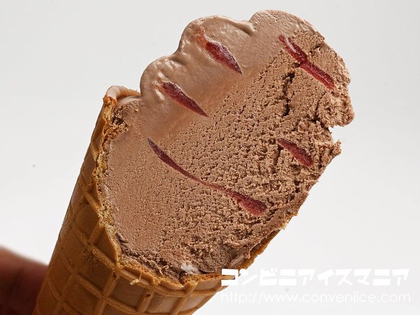ワッフルコーン ミスターチーズケーキ カカオラズベリー